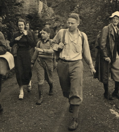 Keith Smiley leading a hiking group at Mohonk. Courtesy of MMH Archives.